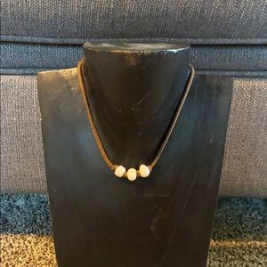 Jewelry - Leather pearl chokers